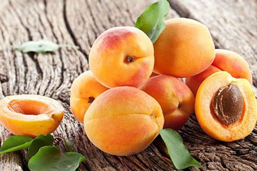 Chia sẻ cách dùng hoa quả làm trắng da toàn thân